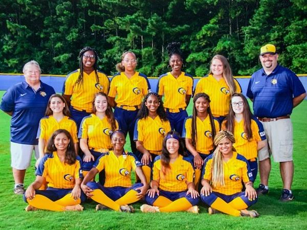 2019 Softball Team Picture