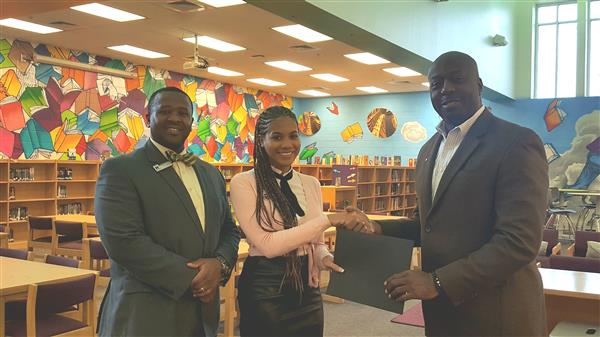Georgia Power Presents New Teacher Assistance Grant to HMS Teacher, Jacquelyn Pressley